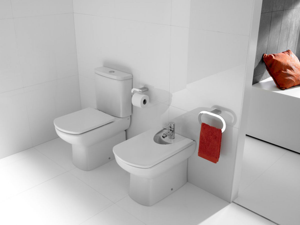 Roca senso standard close coupled toilet uk bathrooms for Roca dama toilet