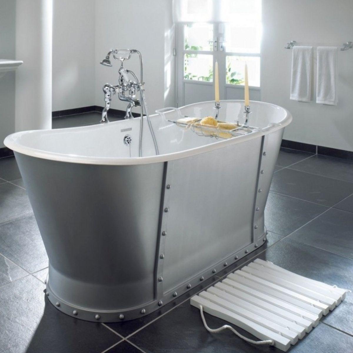 Imperial Baglioni Cast Iron Bath : UK Bathrooms
