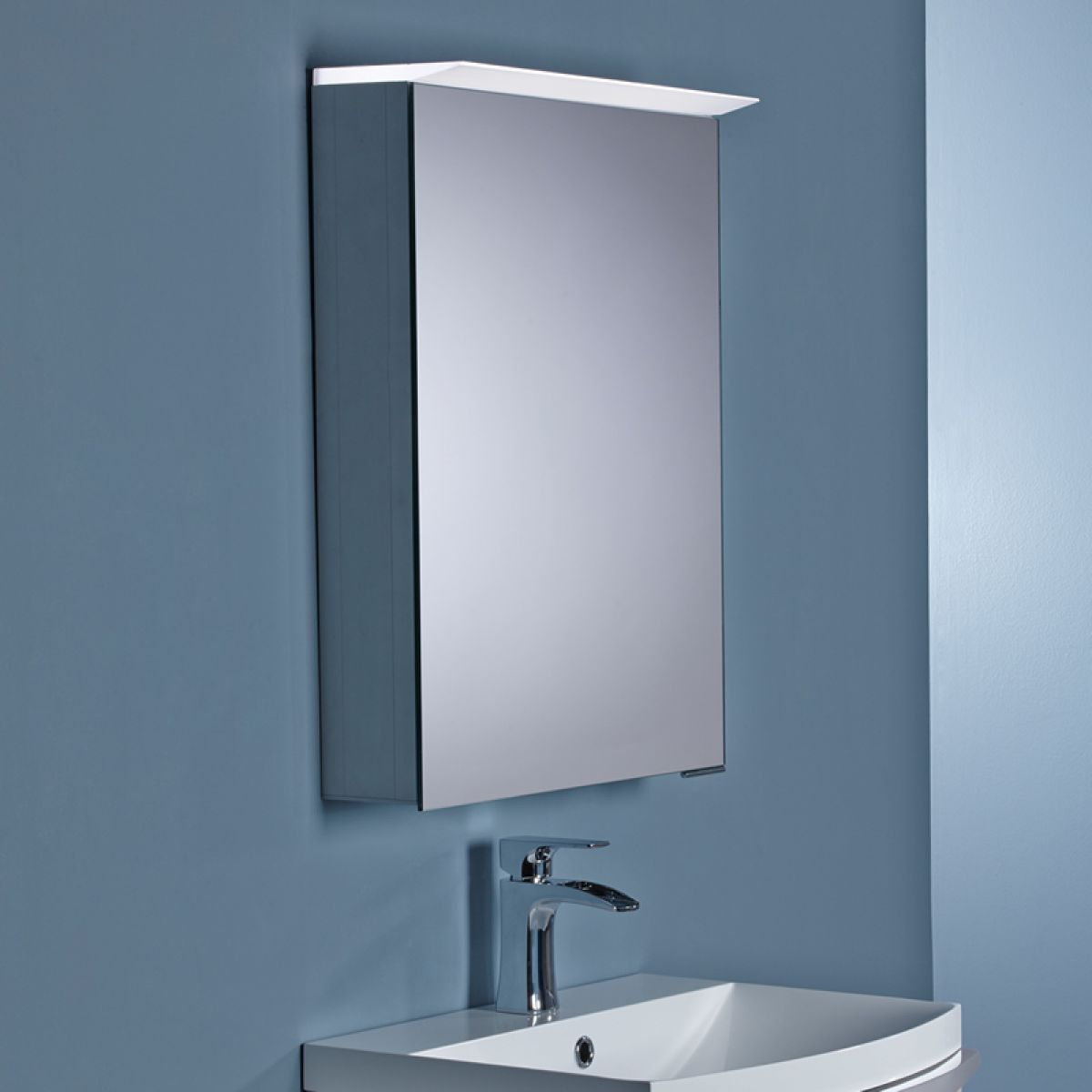 Roper Rhodes Vantage Illuminated Bathroom Cabinet : UK Bathrooms