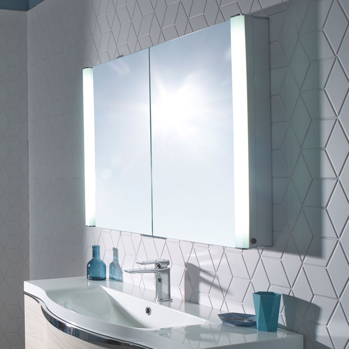 illuminated mirrored bathroom cabinets roper perception illuminated bathroom cabinet uk 17778