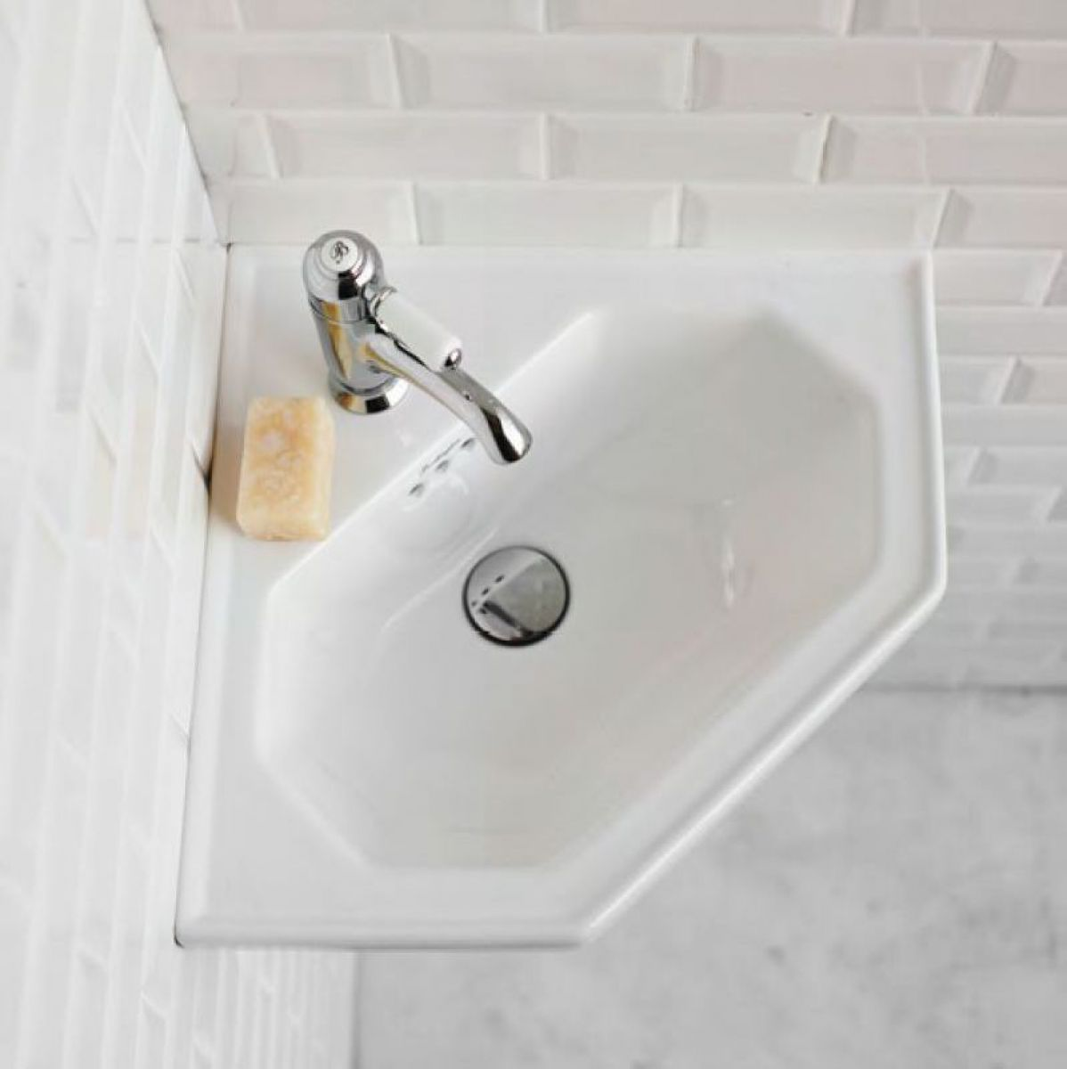 Burlington Corner Sink : Burlington Victorian Corner Cloakroom Basin : UK Bathrooms