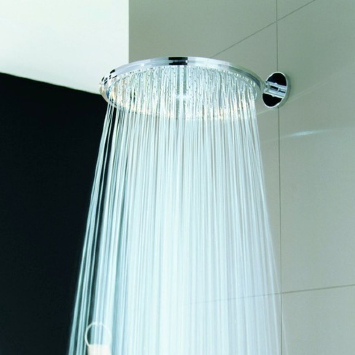 grohe rainshower cosmopolitan 400mm jumbo shower head uk bathrooms. Black Bedroom Furniture Sets. Home Design Ideas