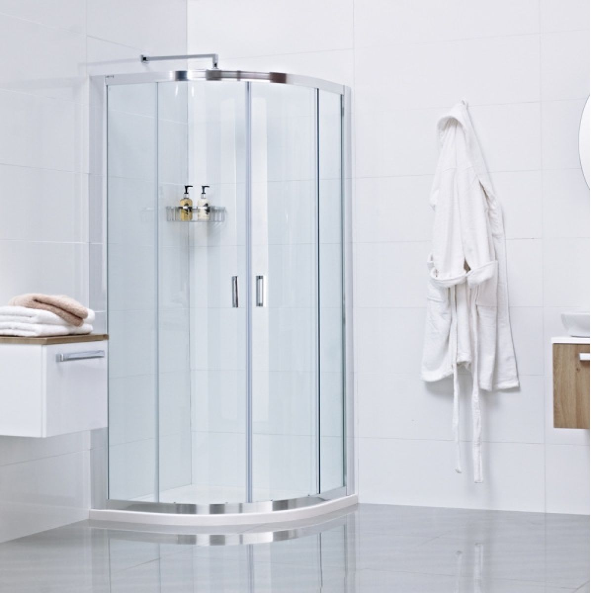 Roman lumin8 two door quadrant shower enclosure uk bathrooms for Door quadrant
