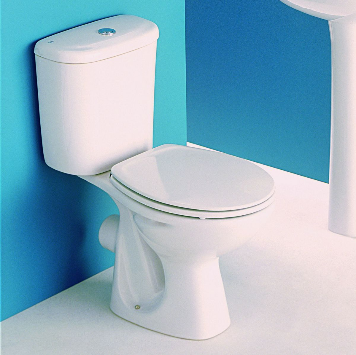 Roca Polo Close Coupled Toilet Including Seat Uk Bathrooms