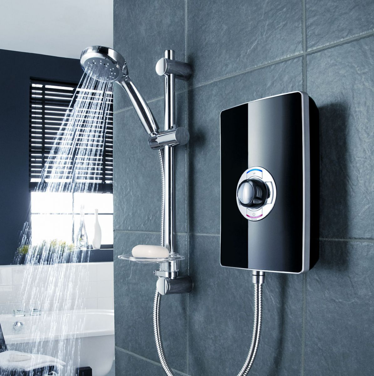 Triton aspirante electric shower black gloss uk bathrooms for Housse aspirante