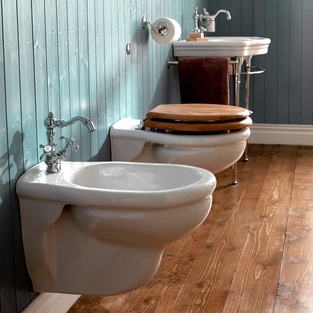 Imperial Bergier Wall Mounted Bidet : UK Bathrooms