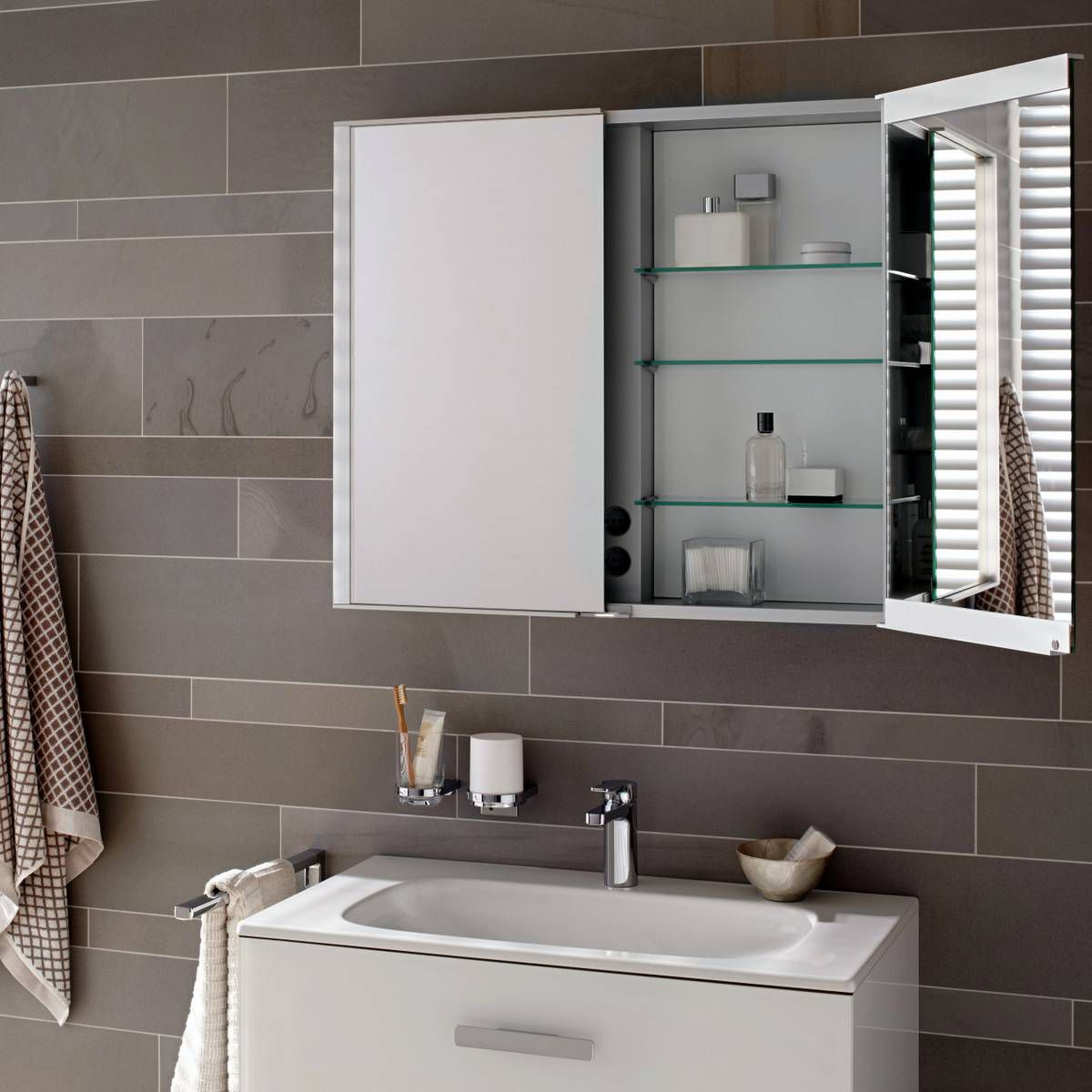 keuco royal match mirror cabinet uk bathrooms. Black Bedroom Furniture Sets. Home Design Ideas