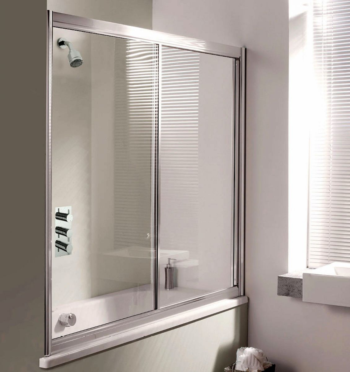 simpsons supreme overbath slider screen uk bathrooms simpsons supreme overbath slider screen