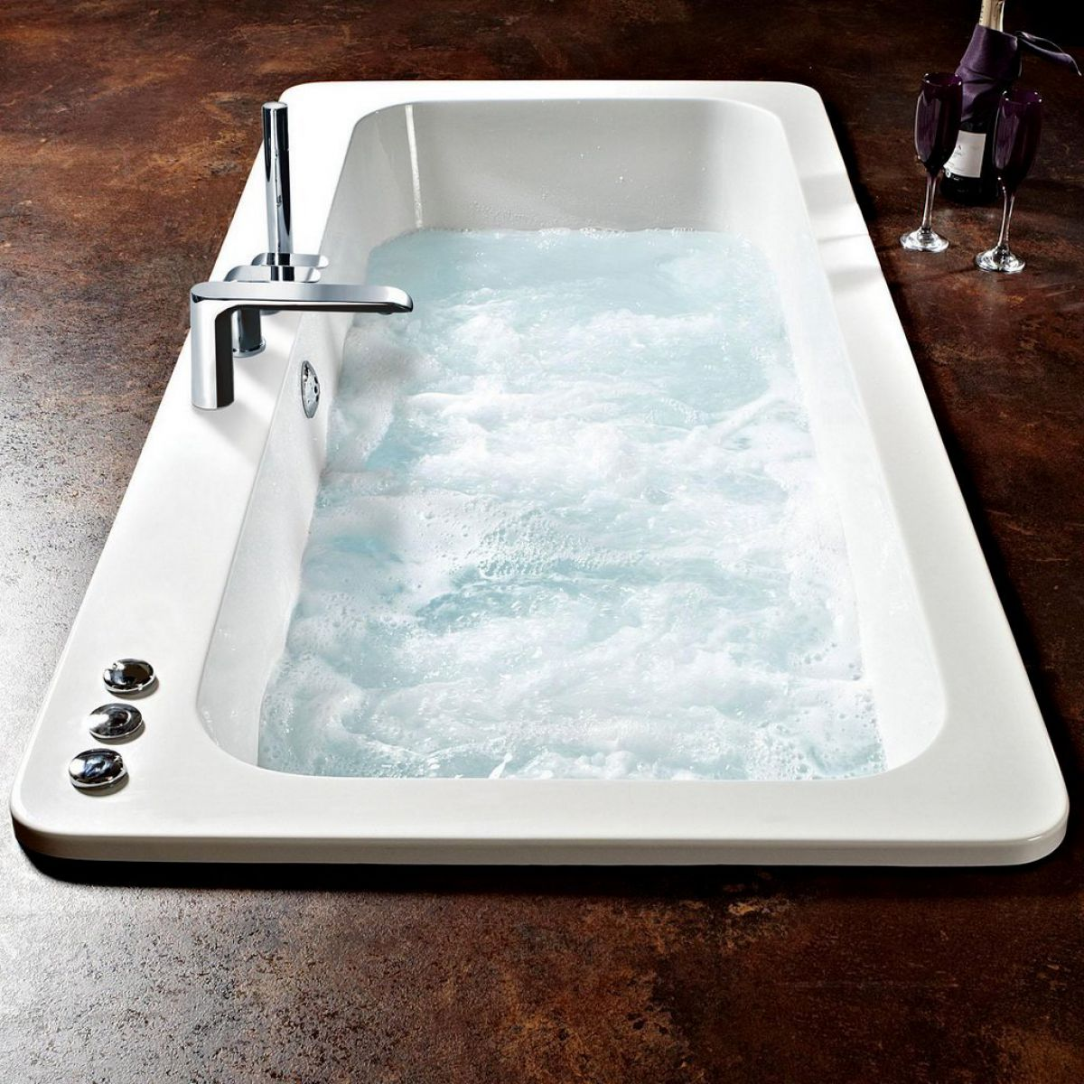 image example of a whirlpool bath