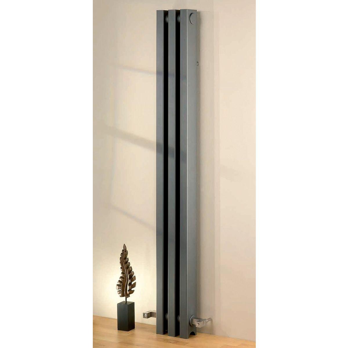Aestus Quba Vertical Radiator Uk Bathrooms