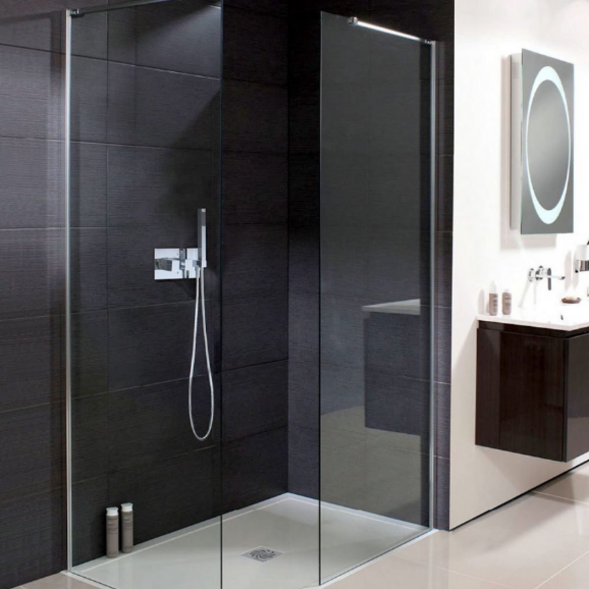 Simpsons design semi frameless walk in shower panel uk for Walk in shower plans and specs