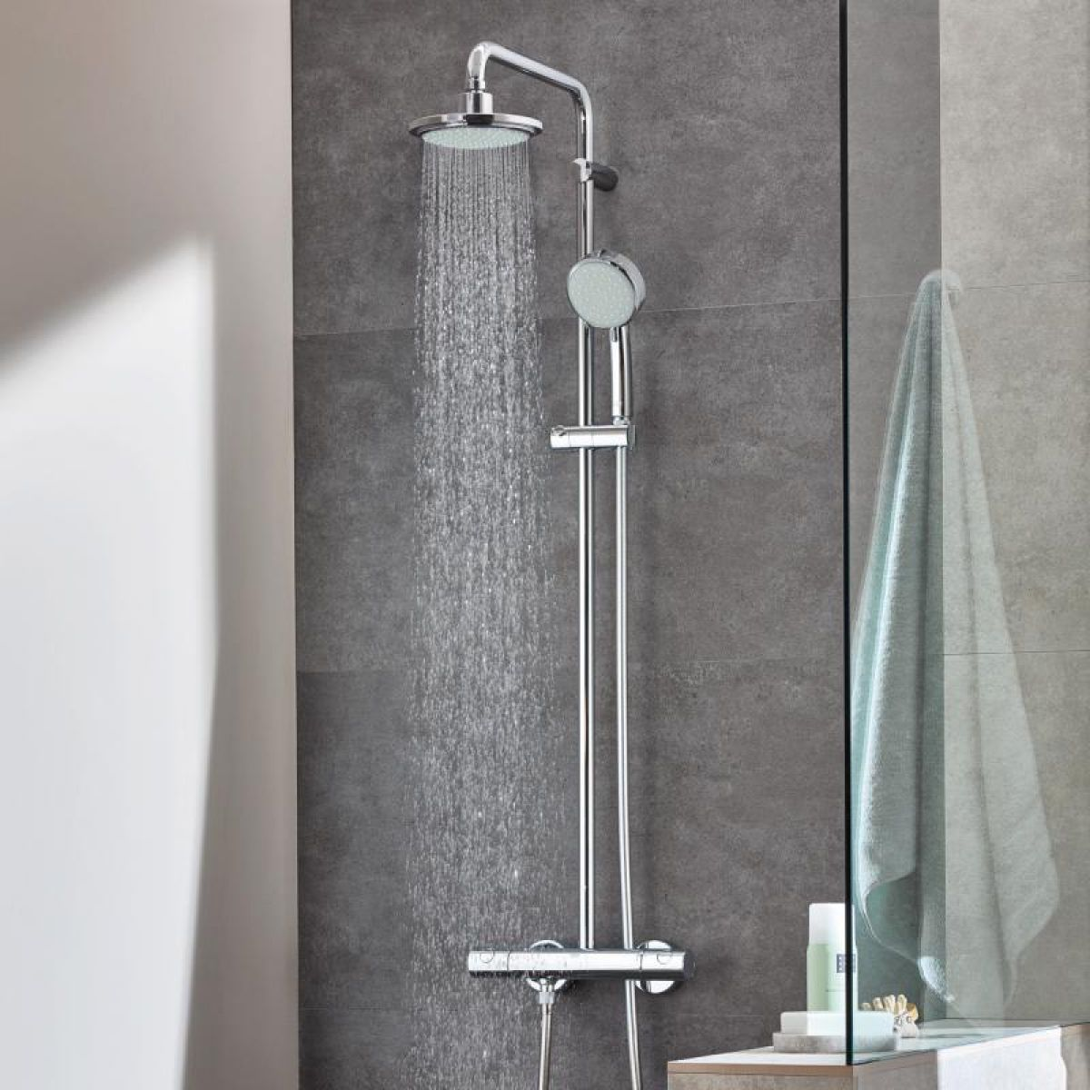 grohe tempesta cosmopolitan 160 shower system uk bathrooms. Black Bedroom Furniture Sets. Home Design Ideas