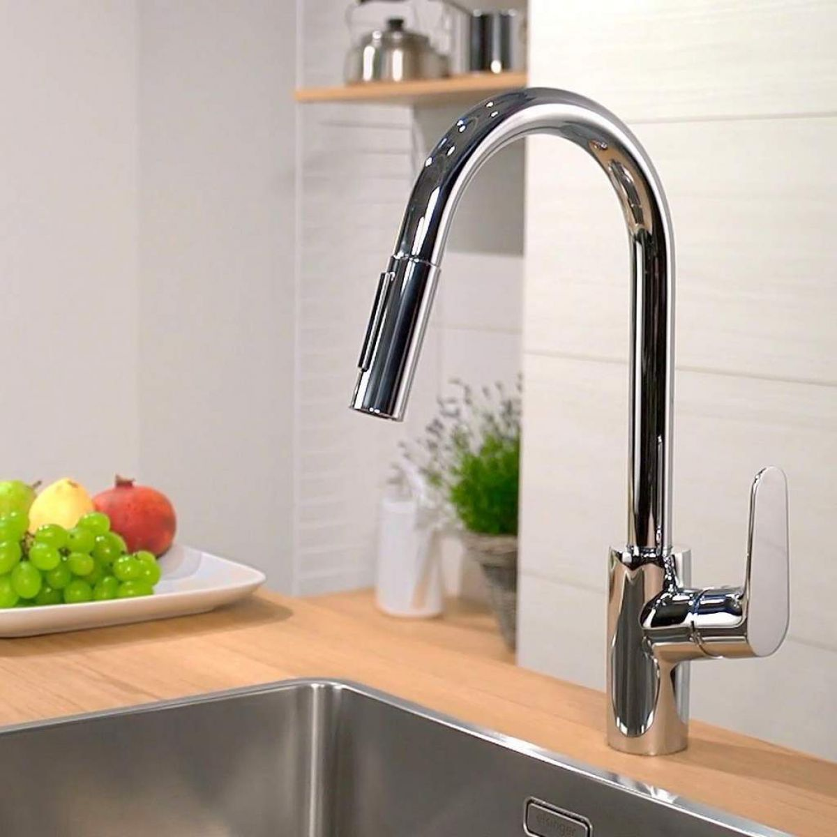 hansgrohe focus single lever kitchen mixer 240 with pull out spray uk bathrooms. Black Bedroom Furniture Sets. Home Design Ideas