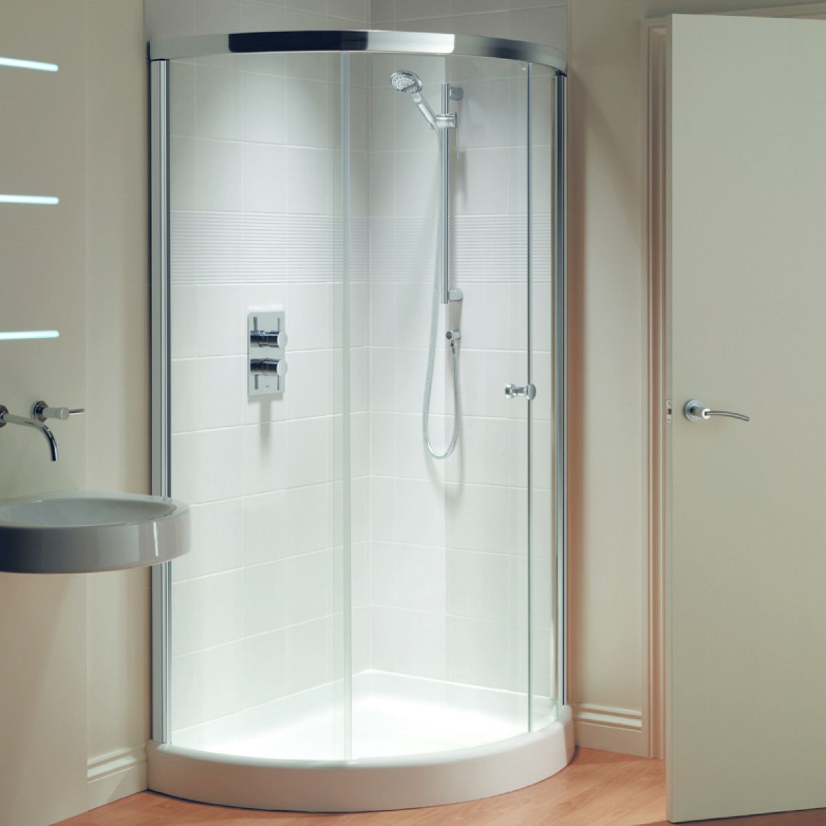 Matki Original Radiance Curved Offset Corner Shower