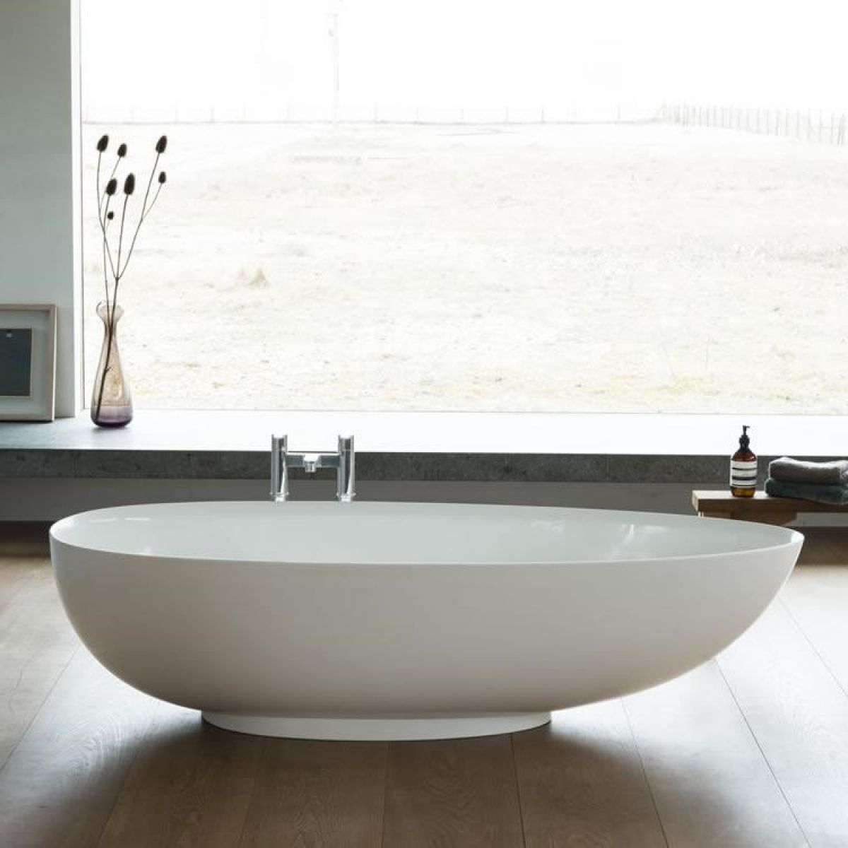 Clearwater teardrop petite clearstone bath uk bathrooms for Small baths 1200