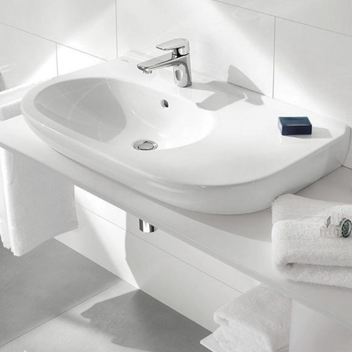 villeroy boch o novo offset washbasin uk bathrooms. Black Bedroom Furniture Sets. Home Design Ideas