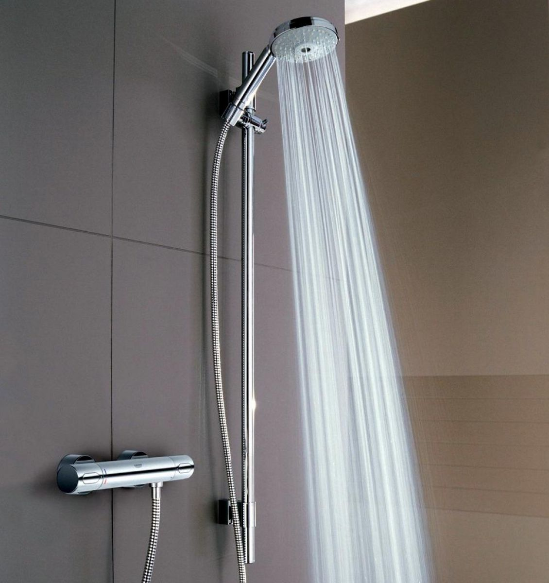 grohe grohtherm 3000 thermostatic shower mixer with rainshower cosmopolitan shower set uk. Black Bedroom Furniture Sets. Home Design Ideas