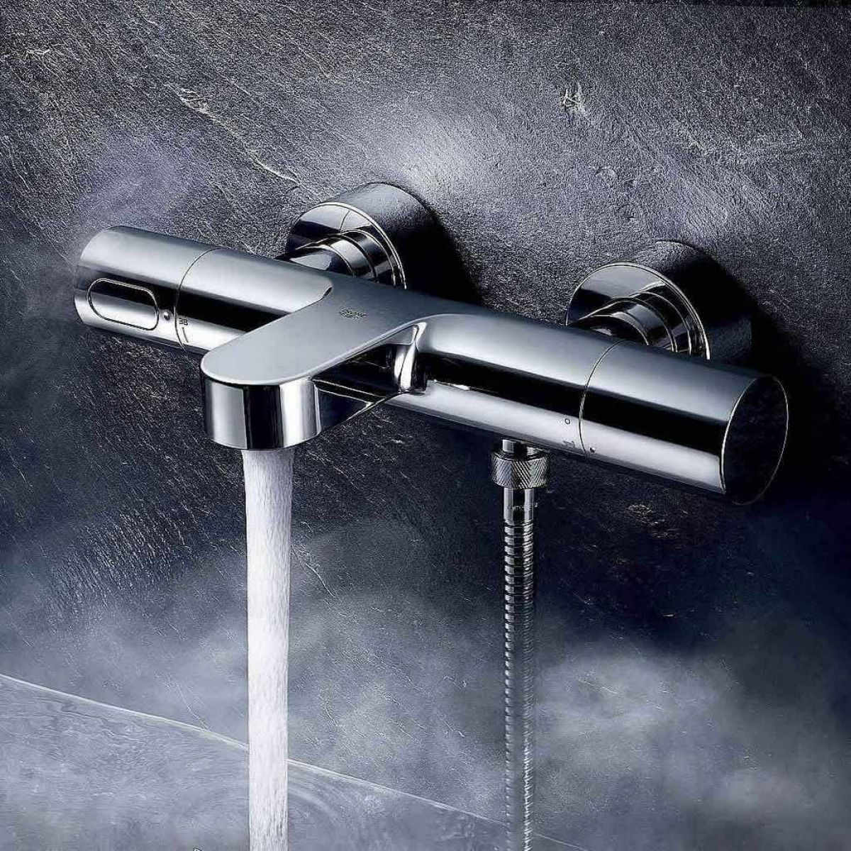 grohe grohtherm 3000 cosmopolitan thermostatic bath shower. Black Bedroom Furniture Sets. Home Design Ideas