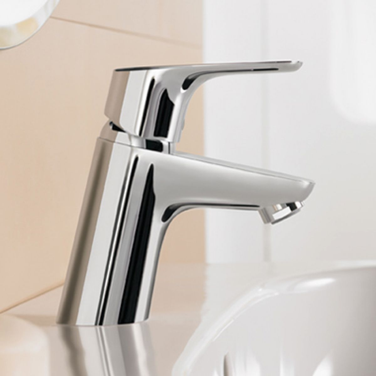 hansgrohe focus 70 basin mixer tap uk bathrooms. Black Bedroom Furniture Sets. Home Design Ideas