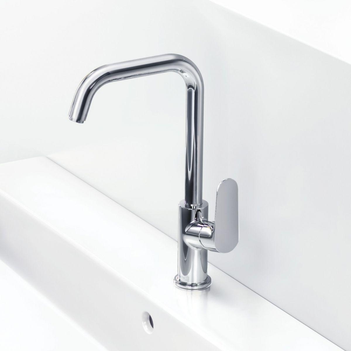 Hansgrohe Focus 240 Swivel Spout Basin Tap : UK Bathrooms