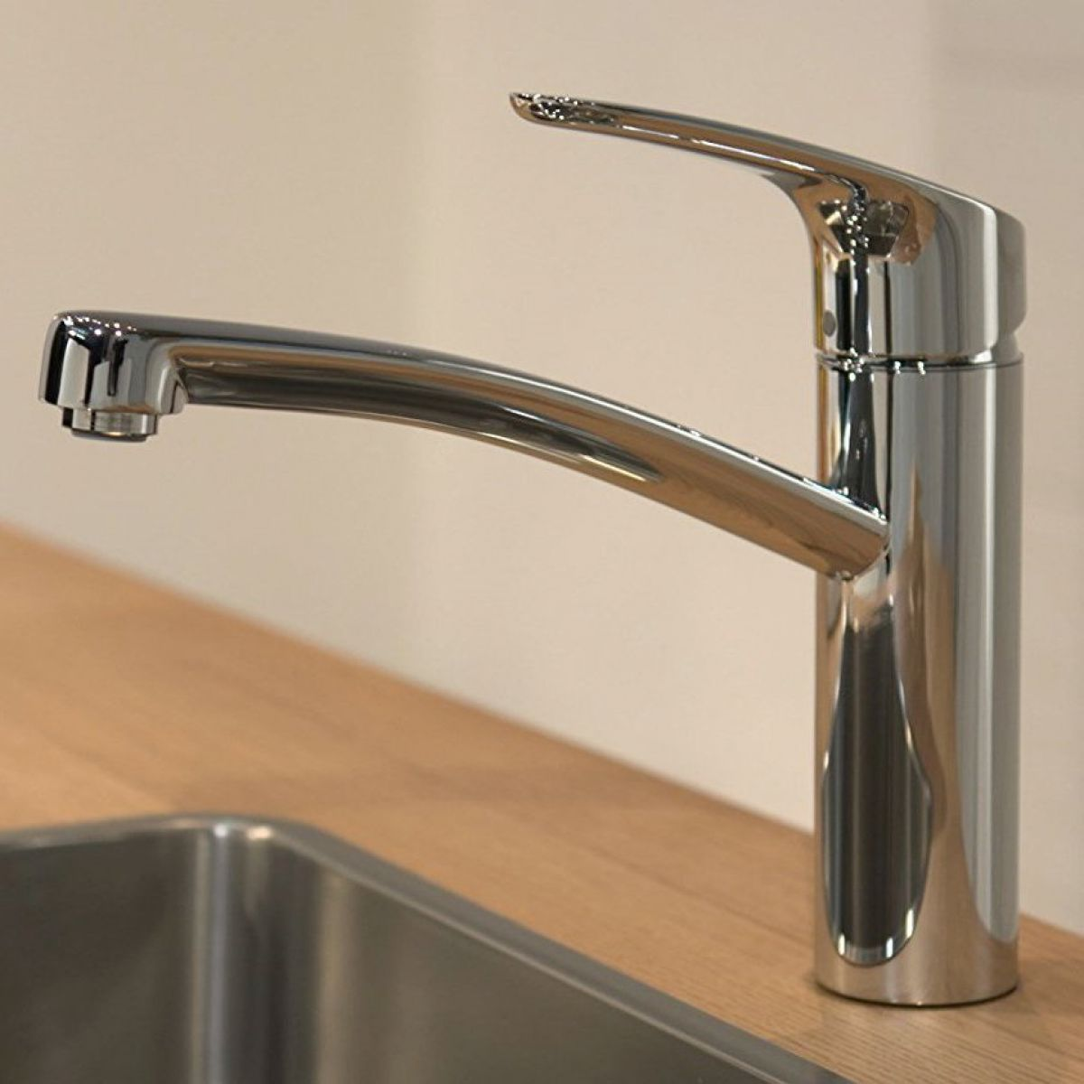 hansgrohe focus 160 kitchen mixer tap uk bathrooms. Black Bedroom Furniture Sets. Home Design Ideas