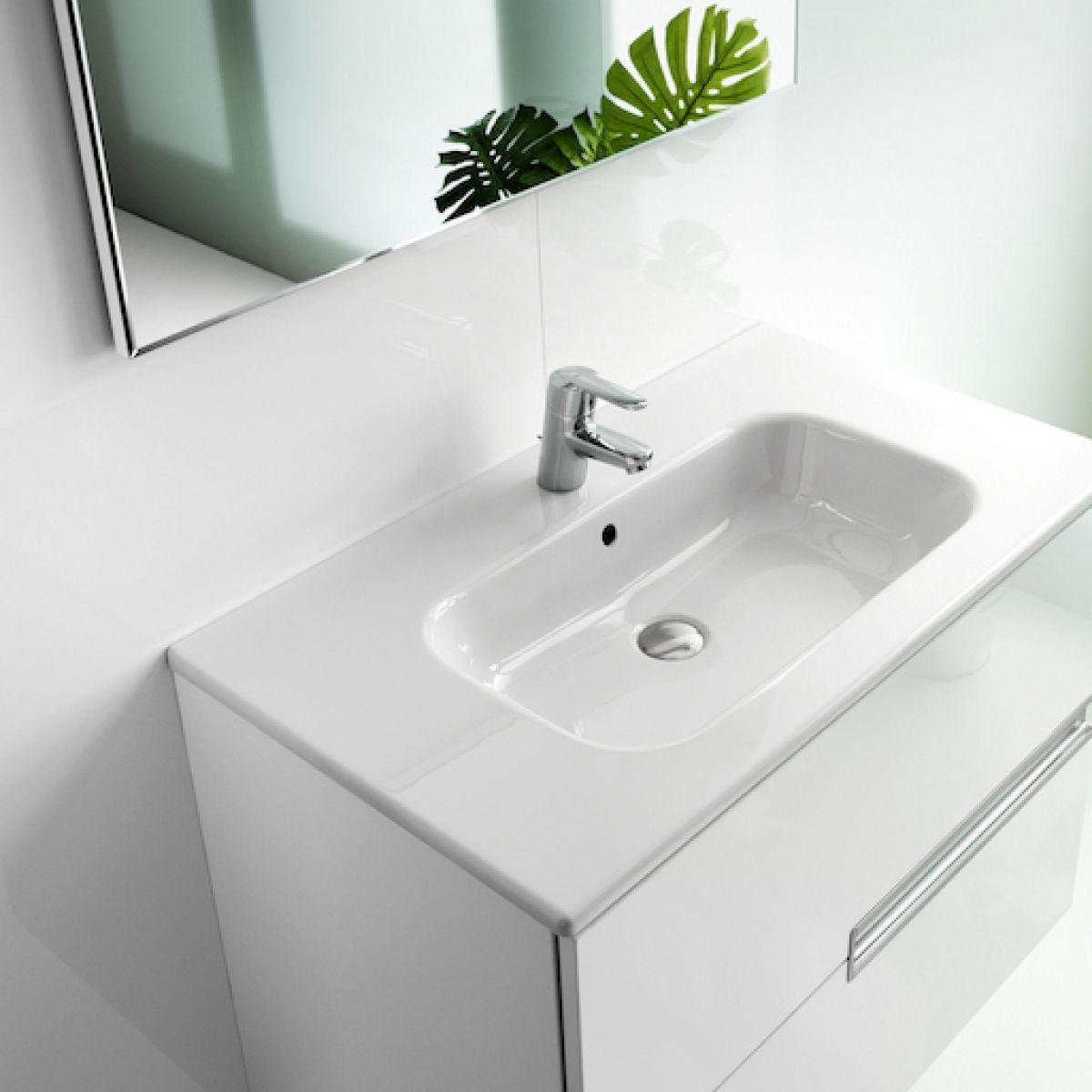 Roca victoria n mirror uk bathrooms for Roca victoria