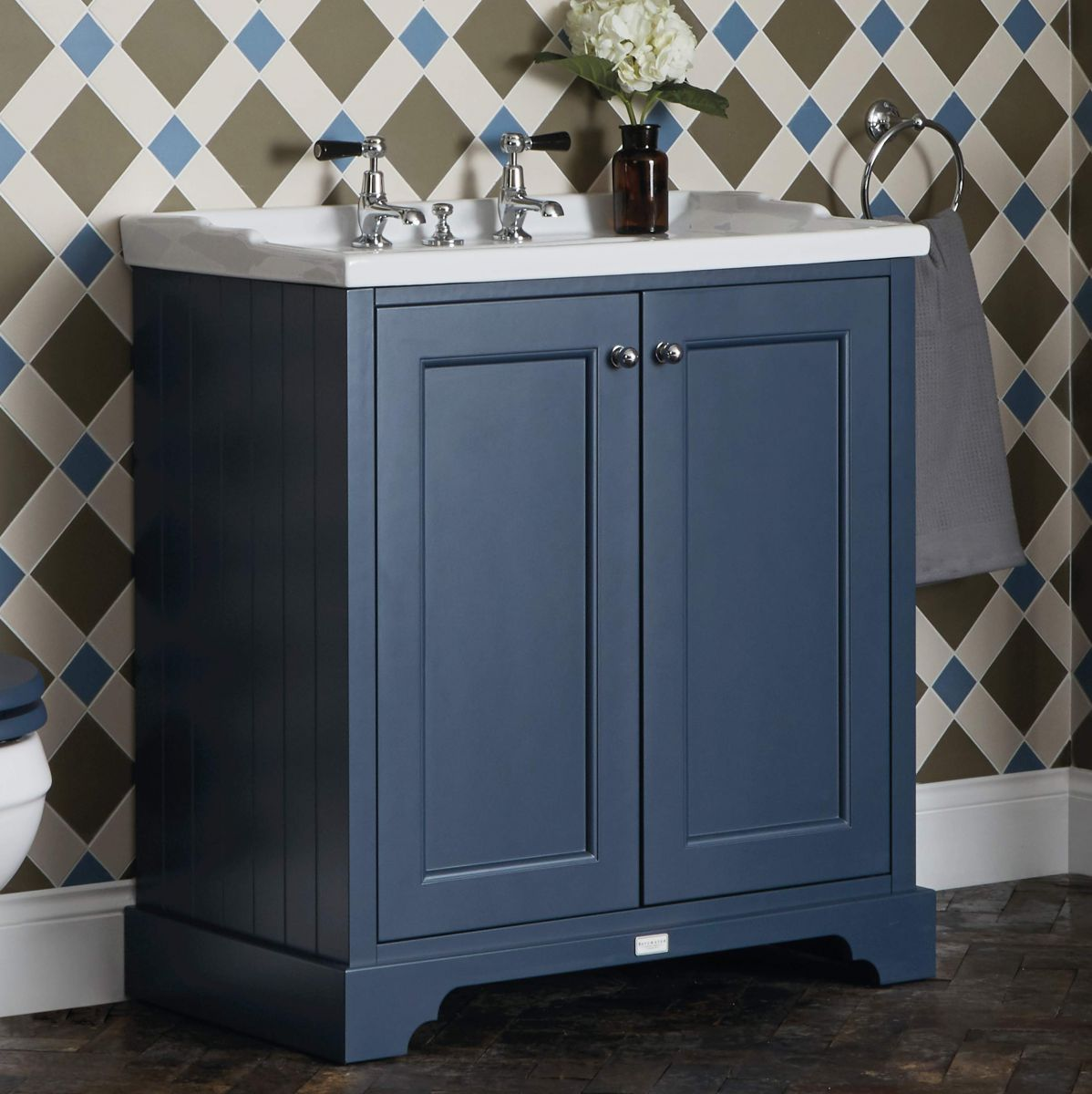 Bayswater 2 Door Basin Cabinet With Traditional Basin Uk Bathrooms