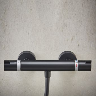 hansgrohe Ecostat Comfort Thermostatic Shower Mixer in Matt Black