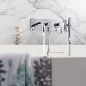 Crosswater Design Bath Set with Shower Kit