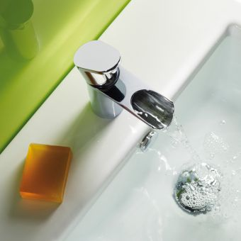 Stream open spout basin mixer with click waste