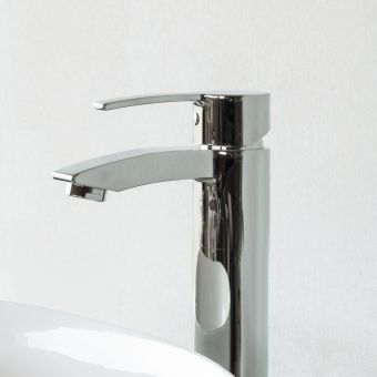 Britton Sapphire Floor Mounted Single Lever Bath Filler