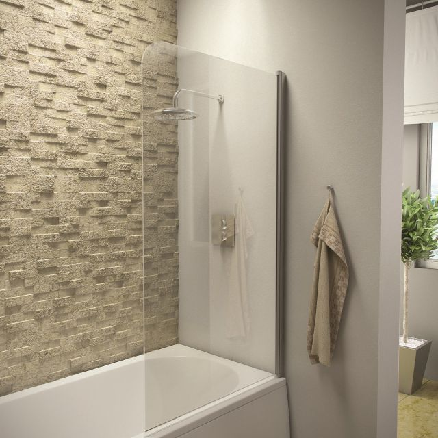UK Bathrooms Essentials Radius Edge Bath Screen