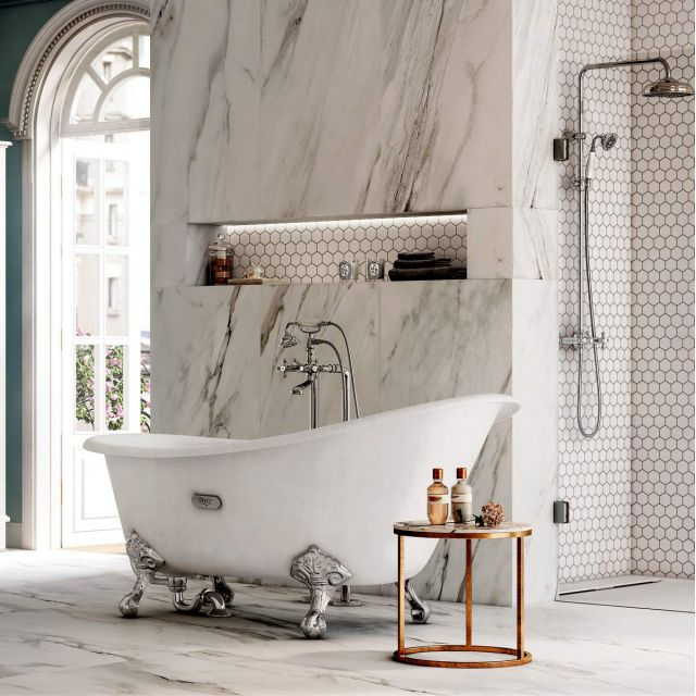 Roca Carmen Traditional Cast Iron Slipper Bath