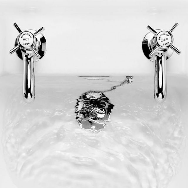 Burlington Slotted Basin Plug & Chain